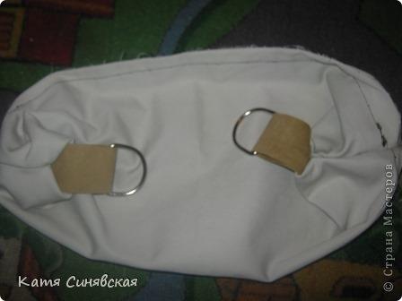 Сшила себе новенькую сумочку на лето.Сумочка сшита из тонкого джинса(роспорола старые брюки,которые стали на меня слишком большие) и кусочков замши. фото 21
