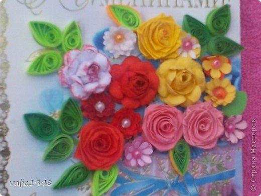 Здравствуйте  дорогие  жители   Любимой  Страны!!!Лето,  кругом  всё  цветёт,  цветут  и розы  в садах, парках, на  дачах,  но   и  не  только!!!  У  меня  они  зацвели  на  открытках!!!Предлагаю  вашему  вниманию  мои  творения!!!  Они  настолько  завладели  мной,  никак  не  могу  оторваться  от  их  изготовления!!!  Что  получилось   судить  вам, а  я  буду  рада  каждому  вашему  слову!  Вот  первые  две    с разными  сортами, т. е. по раным  МК!!!  фото 9