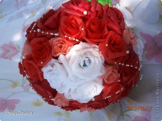 Букетик на свадьбу для очень роковой девушки. Совместная работа с сестрой (https://stranamasterov.ru/user/226999) фото 1