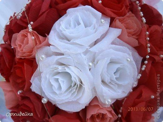 Букетик на свадьбу для очень роковой девушки. Совместная работа с сестрой (https://stranamasterov.ru/user/226999) фото 3