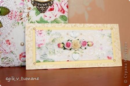 Сделала к книге пожеланий подушечку для колец и конверт для денег фото 4