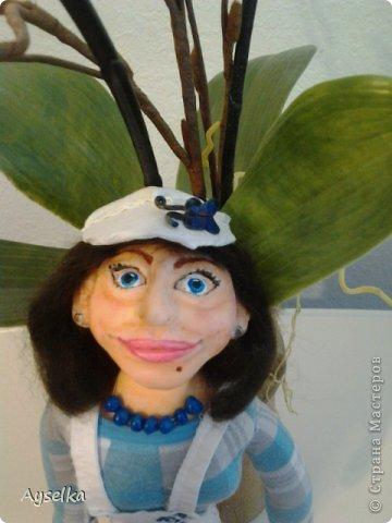 вот такая девушка в кепочке получилась =) сделана из пластики - Фимо софт, туловище набивное. фото 3