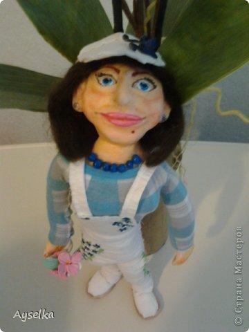 вот такая девушка в кепочке получилась =) сделана из пластики - Фимо софт, туловище набивное. фото 4