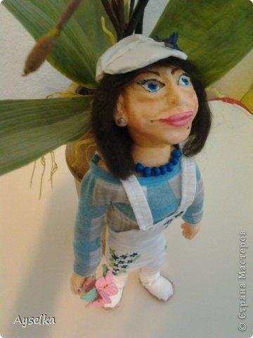 вот такая девушка в кепочке получилась =) сделана из пластики - Фимо софт, туловище набивное. фото 5