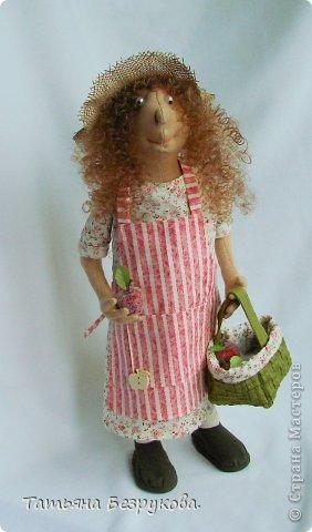 Не буду много писать.  Просто  новый образ  моих кукол.  Серия  Шарж.