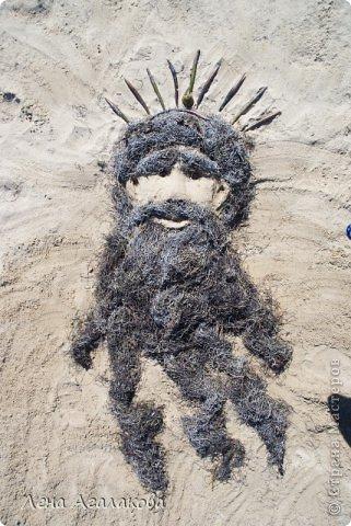 Прекрасный солнечный денек,я на пляже ,но чего-то не хватает... Не люблю лежать без дела ,начинаю самозабвенно лепить из того что под рукой - из песка,благо его вокруг много  Русалочка фото 4