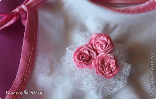 Давно я вынашивала идею шить платья для девочек, во первых мне нравится все кропотливое и мелкое, во вторых нужно минимум ткани, в третьих если что испорчу, то не жалко))))) И выдался удобный случай! Моей малышке крестнице, исполнилось 2 месяца!!!!!!!! фото 4