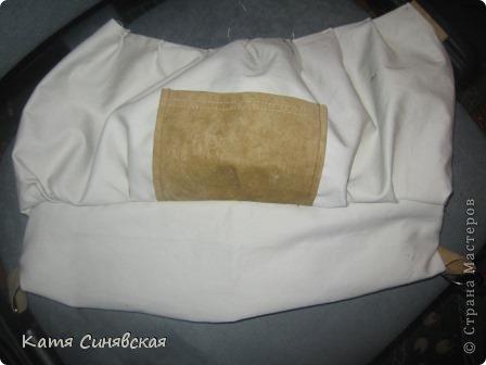 Сшила себе новенькую сумочку на лето.Сумочка сшита из тонкого джинса(роспорола старые брюки,которые стали на меня слишком большие) и кусочков замши. фото 26