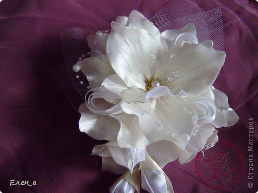Доброго времени суток))) Это снова я, со своими новыми работами, или одной работой??? цветочков много 1 большой цветок (15х20), 2 средних цветочка размером 10 см, и два маленьких по 8 см. Такие цветочки сделала я в подарок для прекрасного человека и замечательного мастера Оксаночки Рябинкиной))) https://stranamasterov.ru/user/196206 И вот выкладываю на ваш суд, буду рада любым вашим комментариям, ведь пока они на моем столе можно что-то добавить или наоборот убрать, изменить, ведь так хочется, что бы моя хорошая, с гордостью носила мои украшения))))) фото 10