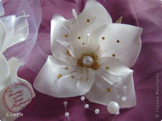 Доброго времени суток))) Это снова я, со своими новыми работами, или одной работой??? цветочков много 1 большой цветок (15х20), 2 средних цветочка размером 10 см, и два маленьких по 8 см. Такие цветочки сделала я в подарок для прекрасного человека и замечательного мастера Оксаночки Рябинкиной))) https://stranamasterov.ru/user/196206 И вот выкладываю на ваш суд, буду рада любым вашим комментариям, ведь пока они на моем столе можно что-то добавить или наоборот убрать, изменить, ведь так хочется, что бы моя хорошая, с гордостью носила мои украшения))))) фото 11