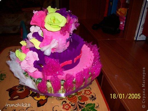 торт сделан из остатков бумаги и розочки получились все разные. фото 2