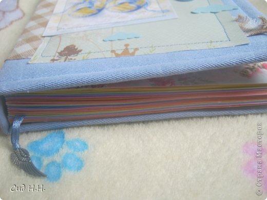 Уфффф, можно выдохнуть)) Наконец-то я сдала свой долгострой - альбом для малыша) Проект такого масштаба в моей творческой жизни был впервые - формат альбома 30 х 30, 30 страниц, рассчитан на 153 фото. Мягкая тканевая обложка, переплет по МК Елены Виноградовой.  Очень переживала, понравится ли заказчице...  фото 67