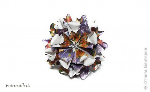 "Эта кусудама была представлена на флешмоб в ЖЖ  ""Кусудамы + цветы"":  Name: Radianta-60 variation & Origami Flowers Designer: Lukasheva Ekaterina (Russia) & Soonboke Smith Folder: Alina Maslova Parts:60+12 Paper's size : 5x5 cm + 14x14 cm Joined with: glue Final height: ~ 9-10cm  Diagram:http://www.kusudama.me/origami/Radianta#rad2  Flowers: Book ""Origami Flowers"" by Soonboke Smith / Книга Санбук Смит ""Цветы Оригами"" фото 10"