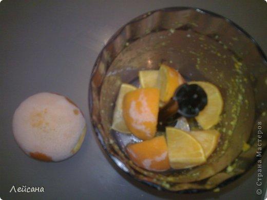 Рецепт очень легкий и по денежным затратам копеечный. А результат ПРОСТО ОБАЛДЕННЫЙ-проверьте обязательно и будете делиться со всеми. Из 2х апельсинов получается 4 литра сока! фото 2