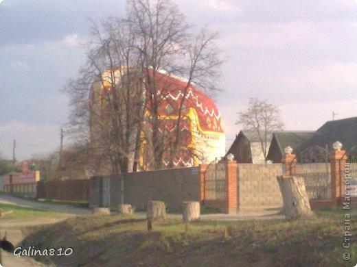 Вот такой необычный дом находится в Московской области, если ехать по Новорязанскому шоссе. фото 4