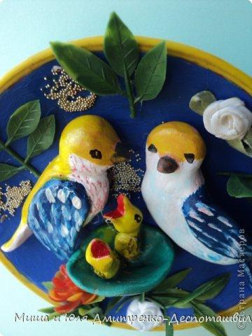 """Рассыпают радостные трели Звонкие пернатые певцы, А в гнезде, как будто в колыбели, Дремлют желторотые птенцы.  (В. Орлов - """"Птенцы"""" фрагмент) фото 1"""