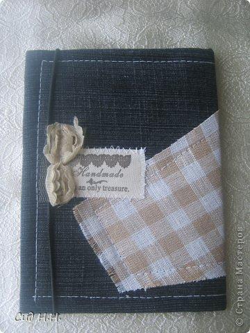 Всем доброго времени суток)) Наконец-то выдалось несколько свободных дней и сделала несколько обложек для паспорта)) Первые две немного винтажные, использована джинса с цветочным принтом и обожаемая мною бумага Графики 45)  Первый вариант: фото 6