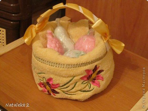 корзинка из полотенца с мылом и зайчик фото 3