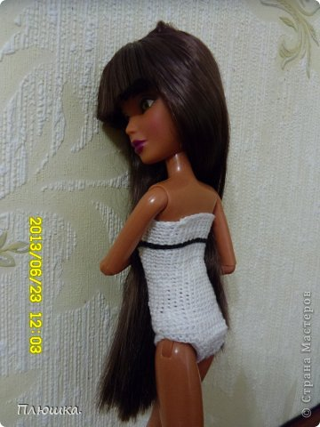 Здравствуйте Страна Мастеров! Хочу показать вам одежду для Леры (так зовут мою куколку).  №1.Купальник! А так же парео, пляжная сумочка и коврик (и если вы заметили, то у неё новый парик!) фото 3