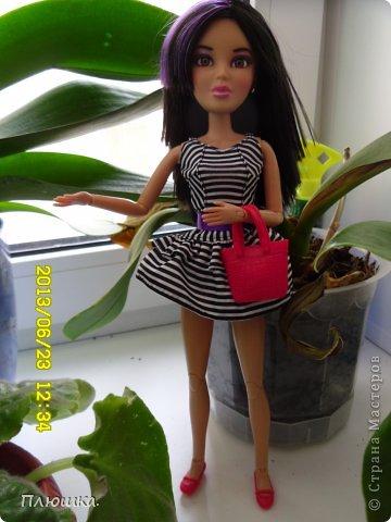 Здравствуйте Страна Мастеров! Хочу показать вам одежду для Леры (так зовут мою куколку).  №1.Купальник! А так же парео, пляжная сумочка и коврик (и если вы заметили, то у неё новый парик!) фото 12
