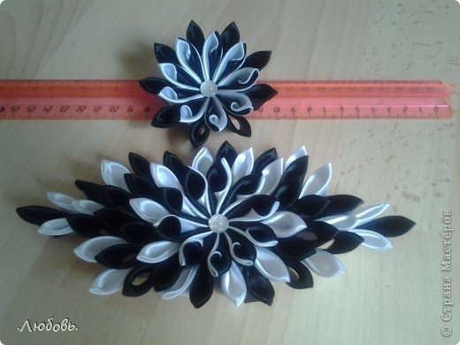 Увлеклась изготовлением цветов из атласных лент. Хочу показать некоторые свои работы. фото 5
