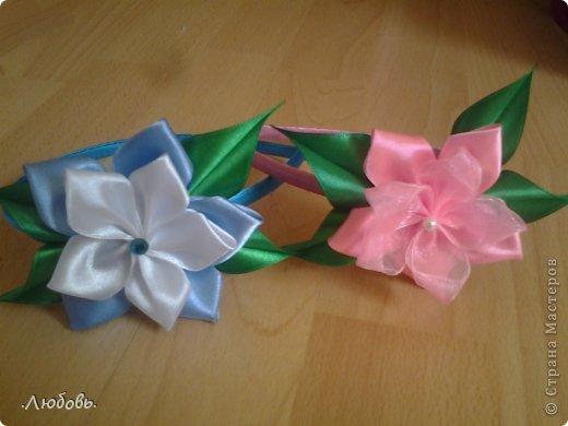 Увлеклась изготовлением цветов из атласных лент. Хочу показать некоторые свои работы. фото 10