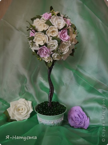 Дерево из розочек в подарок сотруднице на юбилей. Надеюсь понравится. фото 2