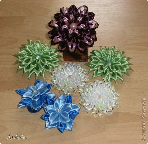 Увлеклась изготовлением цветов из атласных лент. Хочу показать некоторые свои работы. фото 3