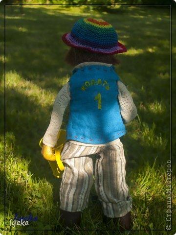 Парень веселый с золотыми руками и добрым сердцем, а также, с лопатой и лейкой! :) Копает и поливает на пятерку! фото 3