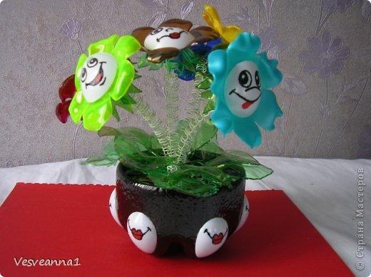 Мастер-класс Вырезание Веселые цветочки  для сына и для дочки Бутылки пластиковые фото 1