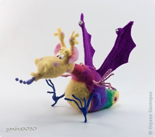 Пузырик — герой детской книжки. Он очень веселый, добрый и заботливый. У него много друзей, он очень милый и вместо огня пускает мыльные пузыри:) фото 4