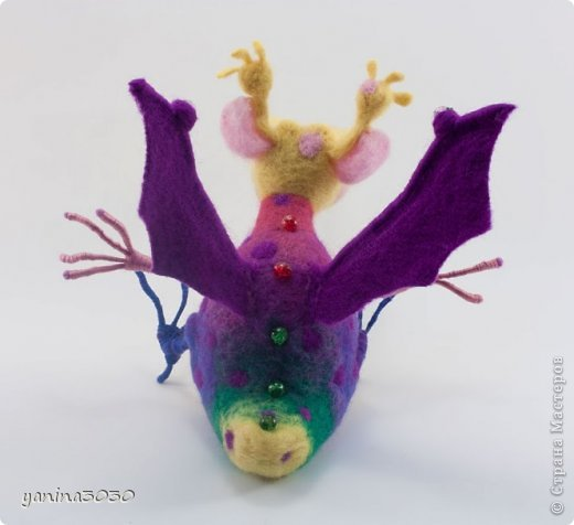 Пузырик — герой детской книжки. Он очень веселый, добрый и заботливый. У него много друзей, он очень милый и вместо огня пускает мыльные пузыри:) фото 5
