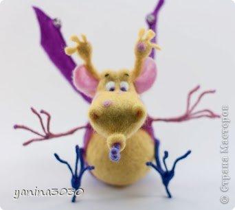 Пузырик — герой детской книжки. Он очень веселый, добрый и заботливый. У него много друзей, он очень милый и вместо огня пускает мыльные пузыри:) фото 6