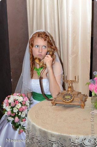 """Ну вот! Наконец-то добрались мои руки выложить фото-репортаж с моей Клеверной свадьбы. Давно я хотела это сделать, но вот как-то так.... В общем """"Я ВЫШЛА ЗАМУЖ!"""" Предупреждаю сразу очень много фотографий.  С моим будущим мужем мы жили некоторое время до свадьбы вместе. И когда решился вопрос со свадьбой, мы подумали и решили что не будем обрамлять кошельки родителей и будем гулять за собственные деньги. А у меня студентки на дневном и любимого-заочника денег много не появится - решили экономить и делать все своими руками.   фото 15"""