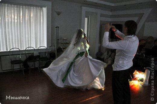 """Ну вот! Наконец-то добрались мои руки выложить фото-репортаж с моей Клеверной свадьбы. Давно я хотела это сделать, но вот как-то так.... В общем """"Я ВЫШЛА ЗАМУЖ!"""" Предупреждаю сразу очень много фотографий.  С моим будущим мужем мы жили некоторое время до свадьбы вместе. И когда решился вопрос со свадьбой, мы подумали и решили что не будем обрамлять кошельки родителей и будем гулять за собственные деньги. А у меня студентки на дневном и любимого-заочника денег много не появится - решили экономить и делать все своими руками.   фото 32"""