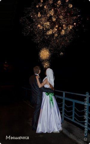 """Ну вот! Наконец-то добрались мои руки выложить фото-репортаж с моей Клеверной свадьбы. Давно я хотела это сделать, но вот как-то так.... В общем """"Я ВЫШЛА ЗАМУЖ!"""" Предупреждаю сразу очень много фотографий.  С моим будущим мужем мы жили некоторое время до свадьбы вместе. И когда решился вопрос со свадьбой, мы подумали и решили что не будем обрамлять кошельки родителей и будем гулять за собственные деньги. А у меня студентки на дневном и любимого-заочника денег много не появится - решили экономить и делать все своими руками.   фото 35"""
