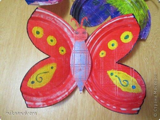 """Всем огромный Привет!!! Увидев МК https://stranamasterov.ru/node/594334 у нас началась тарелкомания. Первыми прилетели бабочки! Мастерили с дочурками, малютка Оля (2 года) губкой """"чпокала"""" красную бабочку, Дашенька (5 лет) делала розовую, ну а я фиолетовую фото 2"""