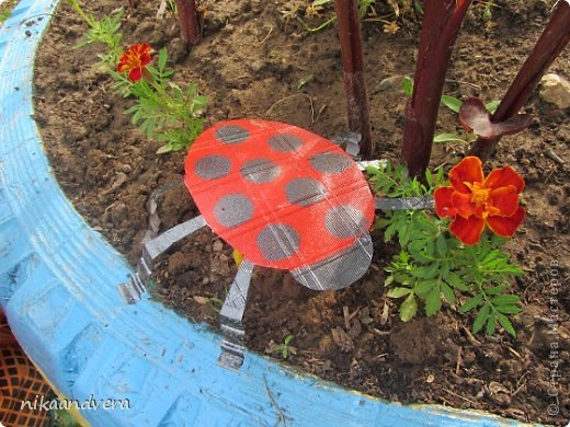 """Всем огромный Привет!!! Увидев МК https://stranamasterov.ru/node/594334 у нас началась тарелкомания. Первыми прилетели бабочки! Мастерили с дочурками, малютка Оля (2 года) губкой """"чпокала"""" красную бабочку, Дашенька (5 лет) делала розовую, ну а я фиолетовую фото 5"""