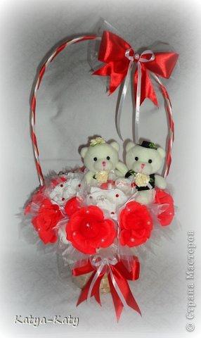 Корзина,подарок на свадьбу, жених с невестой были в восторге!!! Мне было очень приятно что им понравился подарочек. фото 2