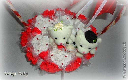 Корзина,подарок на свадьбу, жених с невестой были в восторге!!! Мне было очень приятно что им понравился подарочек. фото 4