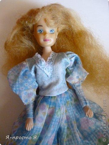 Итак начнём... Было у меня 2 куклы близняшки - Наташа и Ира. Вот таких ↓.  фото 1