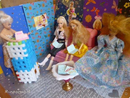 Итак начнём... Было у меня 2 куклы близняшки - Наташа и Ира. Вот таких ↓.  фото 5
