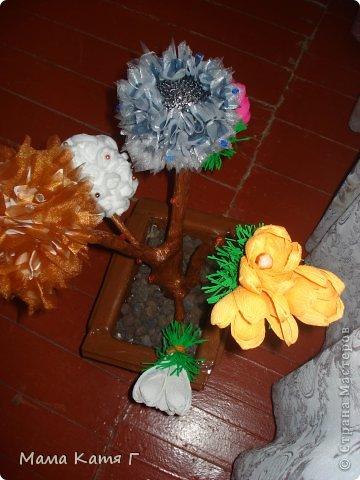 Здравствуйте, ВСЕ!!! Выношу на Ваш суд моё деревце! Делала его в подарок своей свекрови, т.к. видимся мы два раза в год, решила на одном дереве собрать всё, чему научилась, благодаря вашему сайту, за последние пол года!!!  фото 11