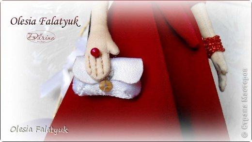 Женщина в красном платье. фото 4