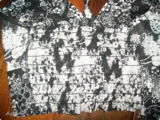 """Всем привет!!! После сшитой рубашки-туники, моя сестра вошла во вкус и просто упрашивала пошить ей еще что-нибудь...))) Решила сшить сарафан. Ткань - х/б из тех же старинных запасов """"хомяка"""" советских времен... фото 17"""