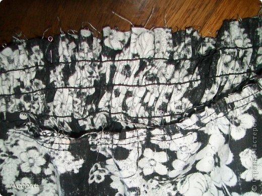 """Всем привет!!! После сшитой рубашки-туники, моя сестра вошла во вкус и просто упрашивала пошить ей еще что-нибудь...))) Решила сшить сарафан. Ткань - х/б из тех же старинных запасов """"хомяка"""" советских времен... фото 19"""