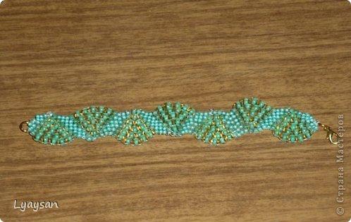 Браслеты, ожерелья и брелки из бисера фото 3