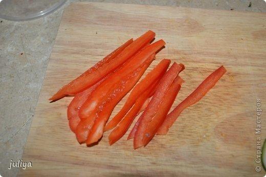 Ингредиенты: Рис для суши Нори Чука Орехорый соус Огурец Перец красный фото 3