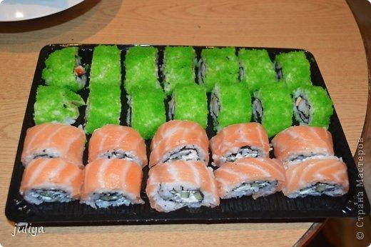 Ингредиенты: Рис для суши Нори Чука Орехорый соус Огурец Перец красный фото 13