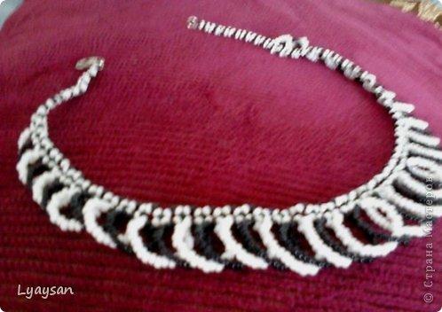 Браслеты, ожерелья и брелки из бисера фото 6